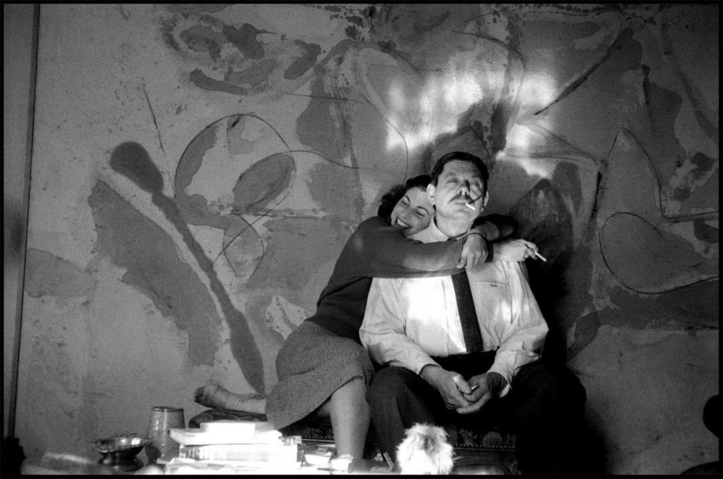 Helen Frankenthaler y Robert Motherwell en su estudio.