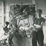 Elaine y Willem de Kooning en su estudio.