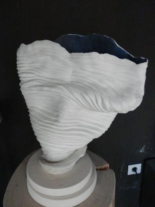Coral Azul  Escultura de Carmen Vila   Compra arte en Flecha.es