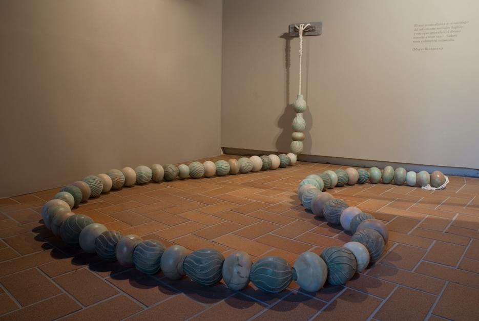 Gusano Marino Instalación |Escultura de Carmen Vila | Compra arte en Flecha.es