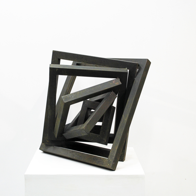 Contenida |Escultura de Carlos I.Faura | Compra arte en Flecha.es