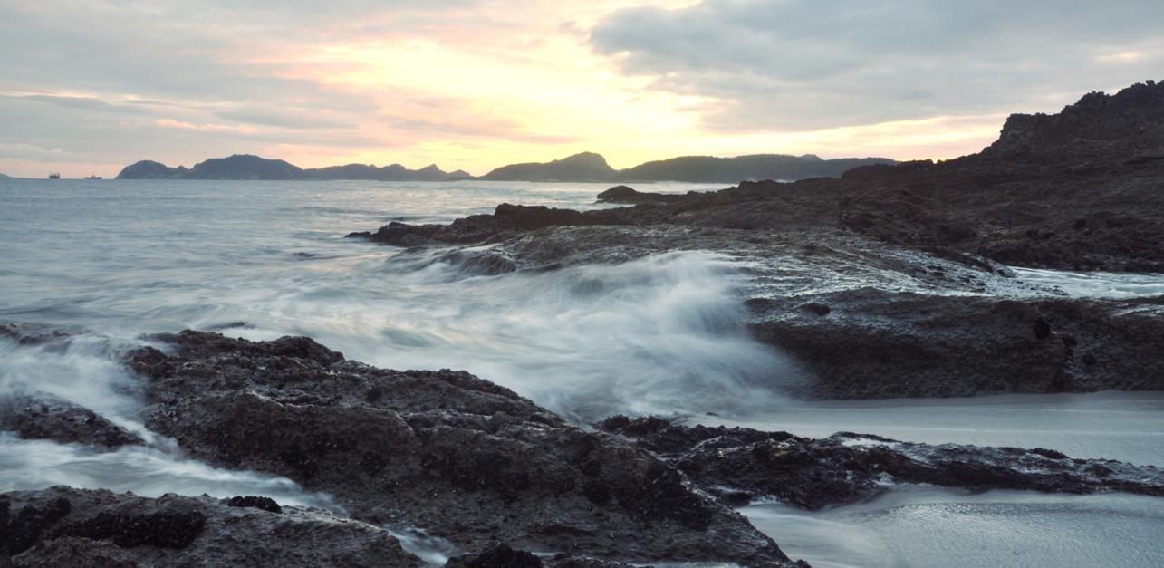 VISTAS DESDE LA PLAYA DE BARRA (de la serie Islas Cíes. Foto nº 21) |Fotografía de Luis Arbex | Compra arte en Flecha.es