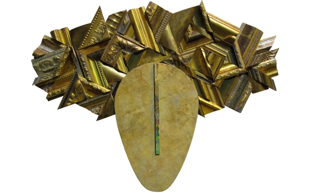 Tocado dorado |Escultura de Juan Diego Miguel | Compra arte en Flecha.es