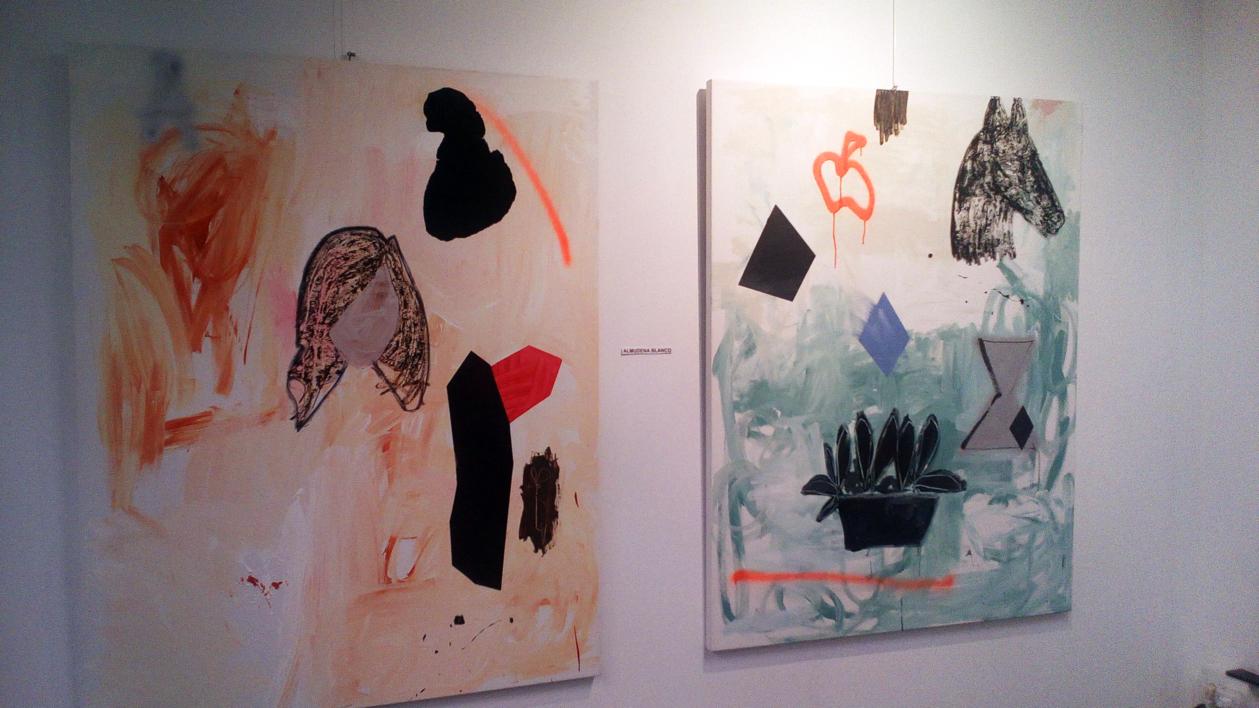 Horse and Other Things on Green   Pintura de Almudena  Blanco   Compra arte en Flecha.es