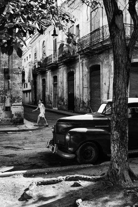 Por la Havana vieja |Fotografía de Verónica Velasco Barthel | Compra arte en Flecha.es