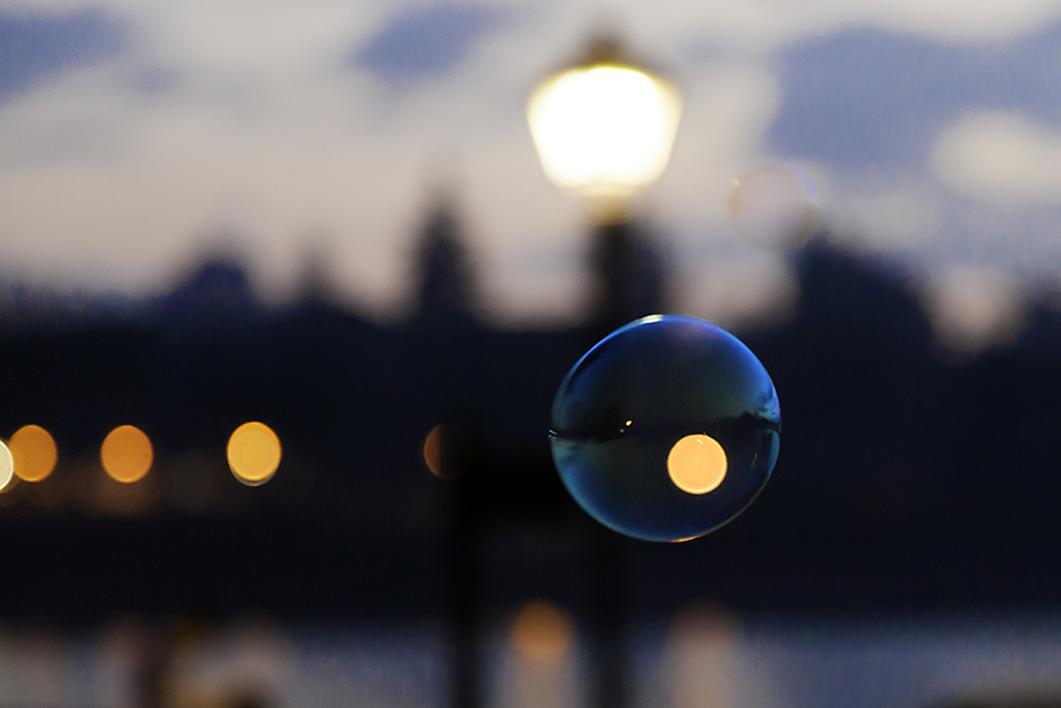 Burbuja |Digital de José M. Feito | Compra arte en Flecha.es