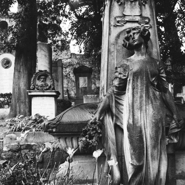 Cementerio Protestante |Fotografía de Borja de Madariaga | Compra arte en Flecha.es
