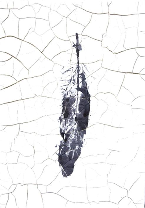 Huella de pluma II |Escultura de pared de Macarena Garví | Compra arte en Flecha.es