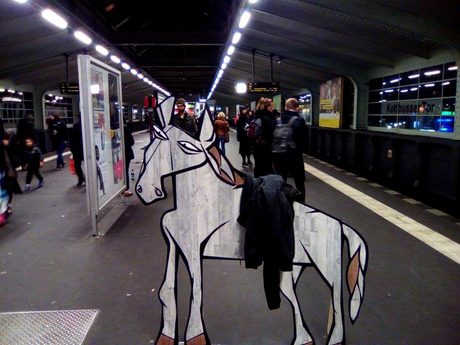 Berliner Pferd |Escultura de laulimens | Compra arte en Flecha.es