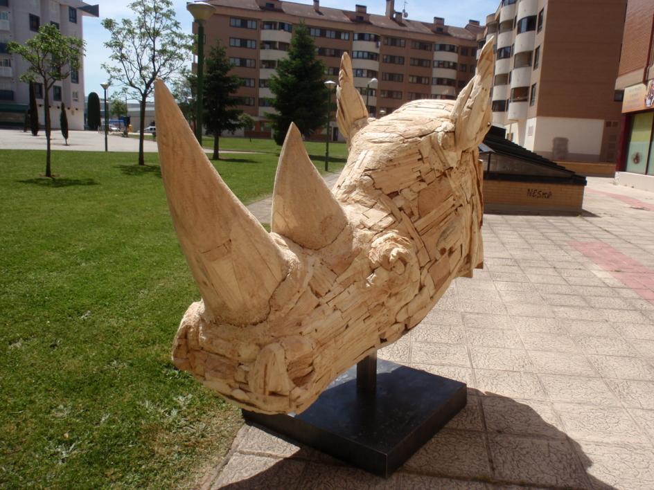 rhinocerotidae |Escultura de saiz manrique | Compra arte en Flecha.es