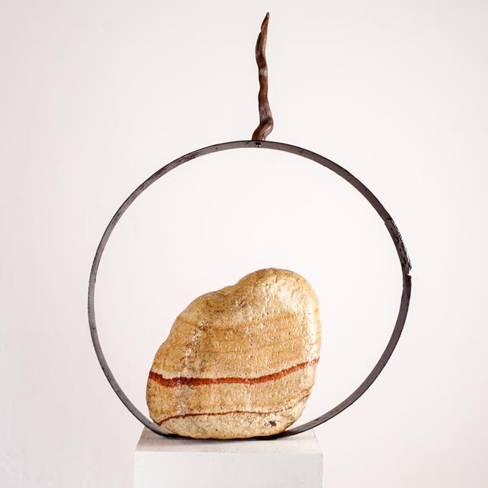 La invitación a ser un vector  Escultura de Juan Manuel Leiva   Compra arte en Flecha.es
