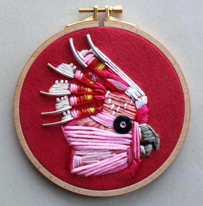 Cacatúa rosa  Escultura de Ángeles Romo   Compra arte en Flecha.es