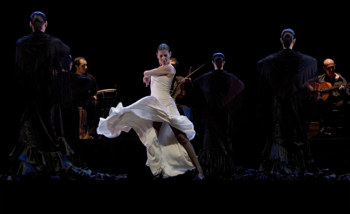 Sara Baras y cuerpo de baile |Fotografía de Peter Müller Peter | Compra arte en Flecha.es