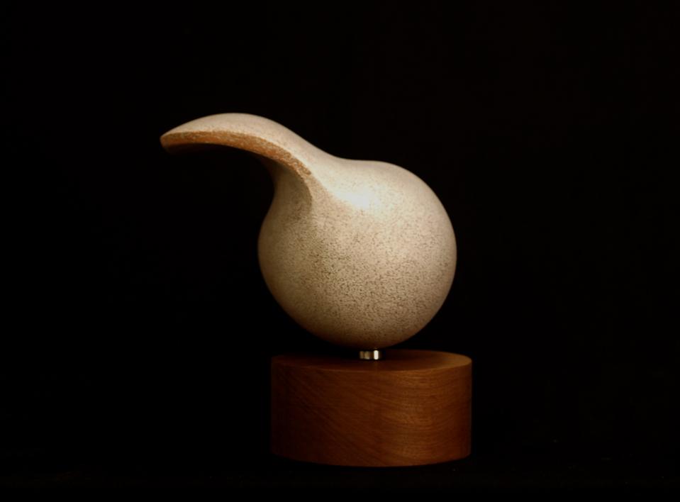 MUJER CON VELO   Escultura de Rafael Heredia   Compra arte en Flecha.es