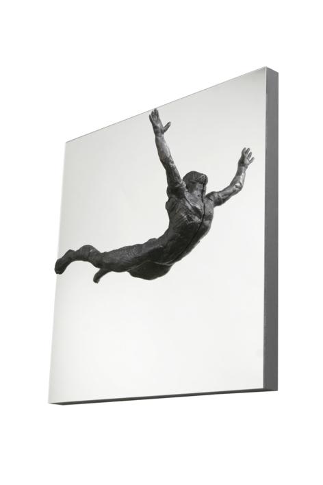 SALTO AL VACÍO |Escultura de Fernando Suárez | Compra arte en Flecha.es