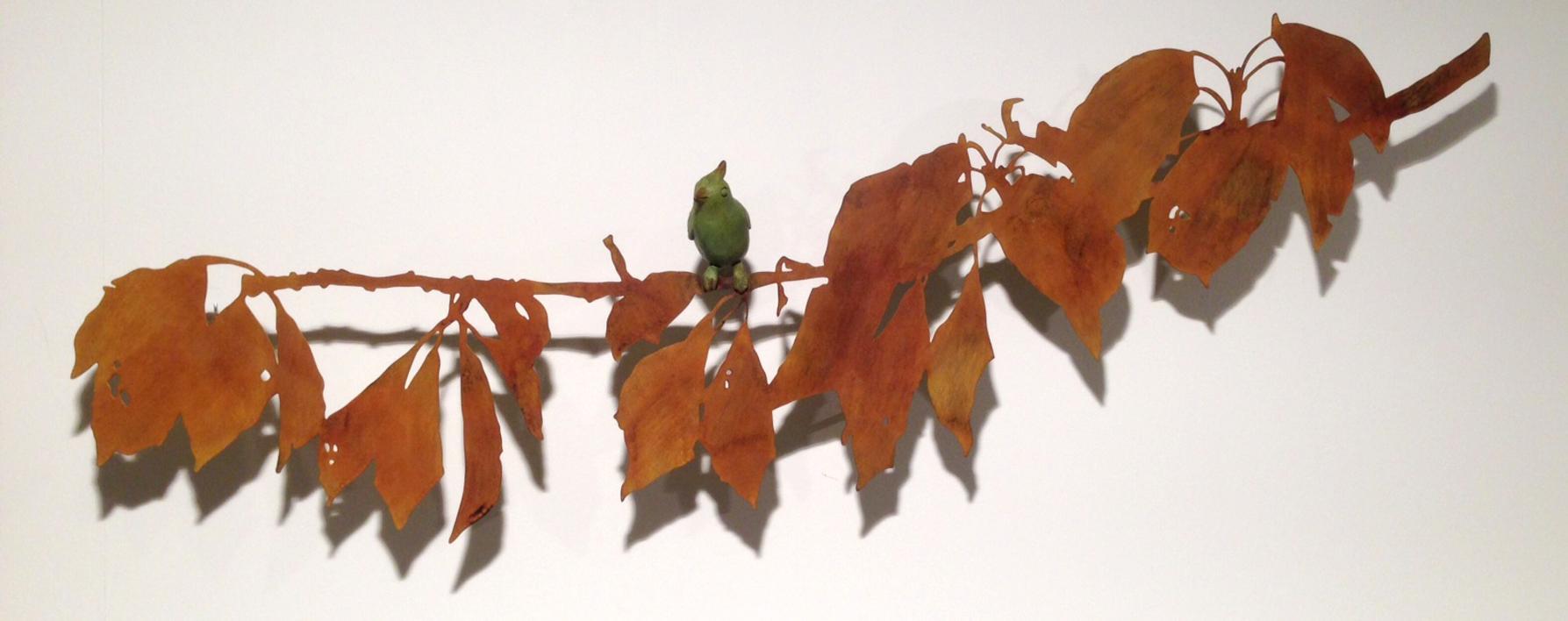 Rama con hojas y pájaro |Escultura de Charlotte Adde | Compra arte en Flecha.es