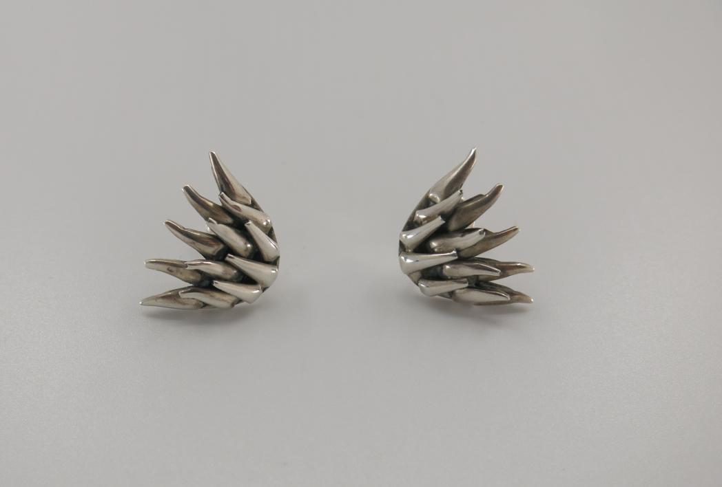 Pendientes de plata 950 - Así como la valva... el metal |Joyería de Ester Ventura | Compra arte en Flecha.es