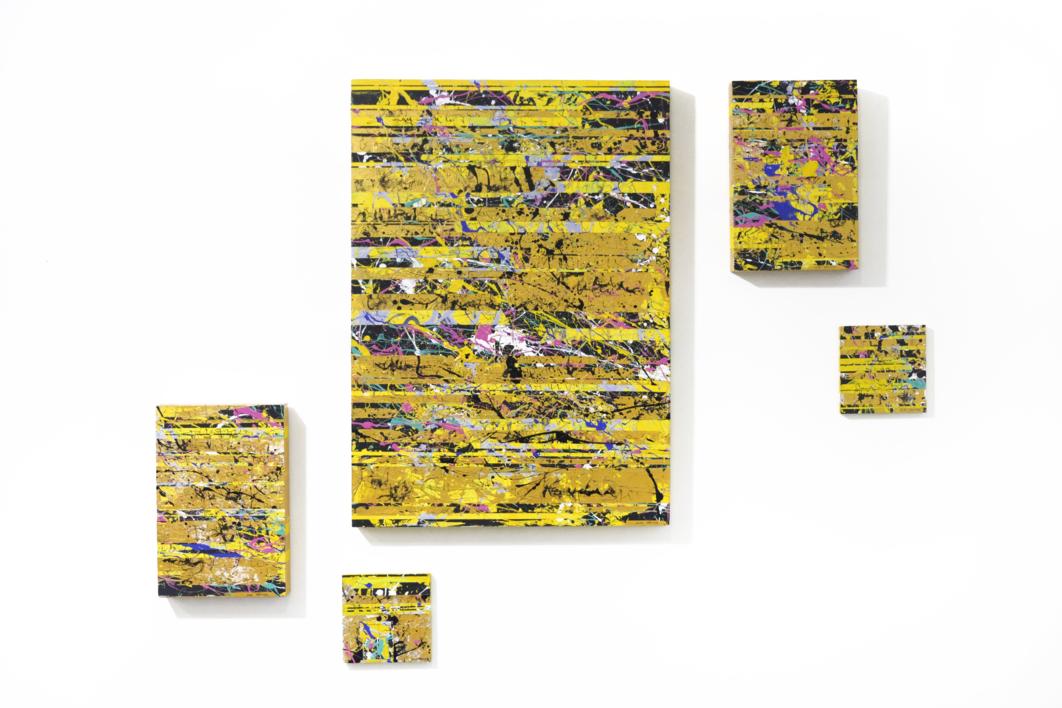Golden Glitch |Pintura de Ana Dévora | Compra arte en Flecha.es