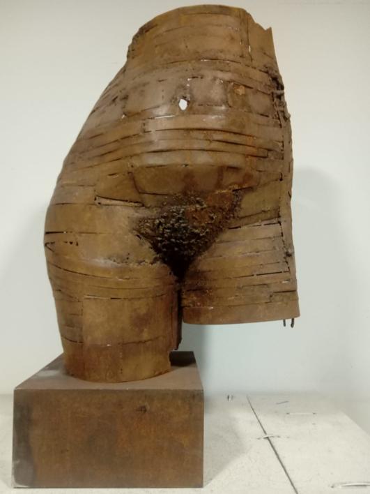 TORSO V-45 |Escultura de Pablo Rebollo Pérez | Compra arte en Flecha.es