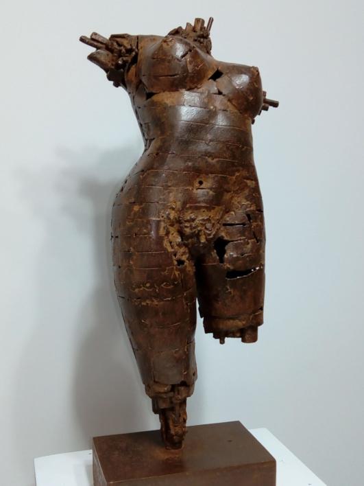 TORSO FEMENINO |Escultura de Pablo Rebollo Pérez | Compra arte en Flecha.es