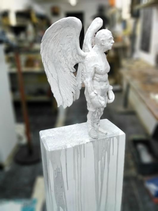 Mi angel de la guarda sigue peleando por mis sueños. |Escultura de Reula | Compra arte en Flecha.es