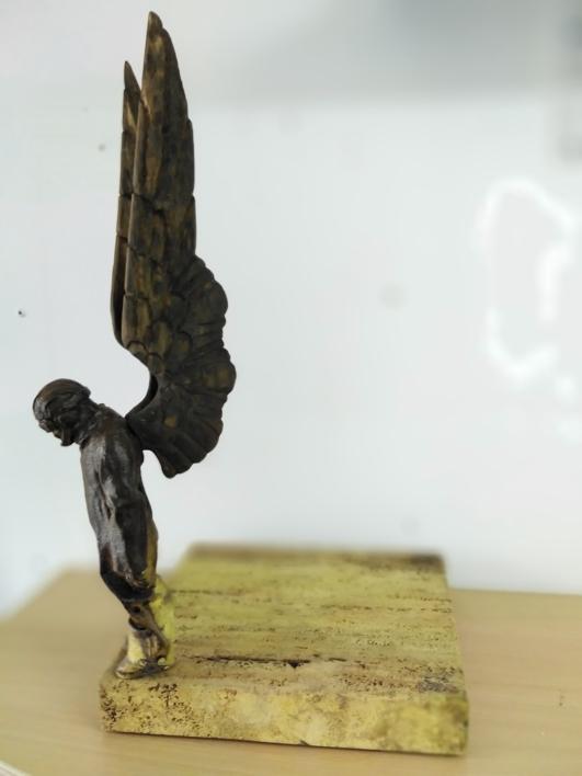 Cuestión de perspectiva II. |Escultura de Reula | Compra arte en Flecha.es