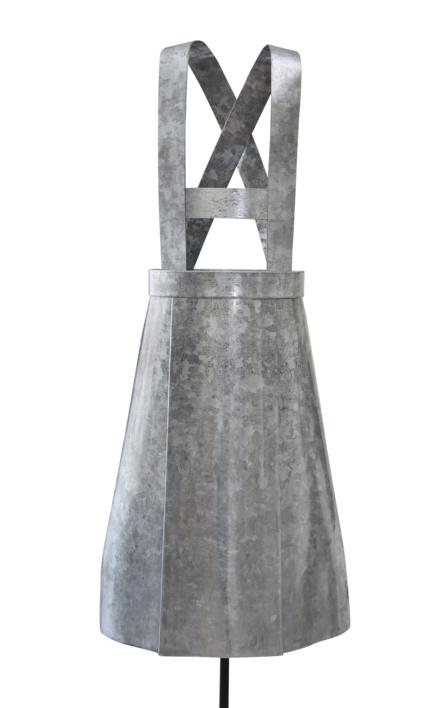 UNIFORME ESCOLAR |Escultura de Micaela Aljovín | Compra arte en Flecha.es