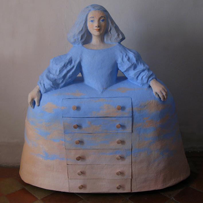 Menina cómoda |Escultura de Carmen Varela | Compra arte en Flecha.es