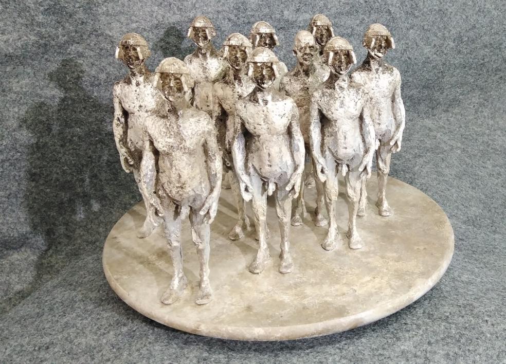 Esta obra llevará por título, el nombre del comprador. |Escultura de Reula | Compra arte en Flecha.es