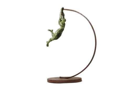 SUSPENSIÓN |Escultura de Fernando Suárez | Compra arte en Flecha.es