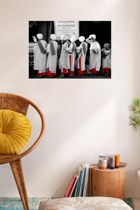 BUDDHIST NUNS | Fotografía de Tommy Salas | Compra arte en Flecha.es