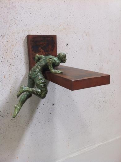 Saliendo Piscina EsculturadeFernando Suárez  Compra arte en Flecha.es