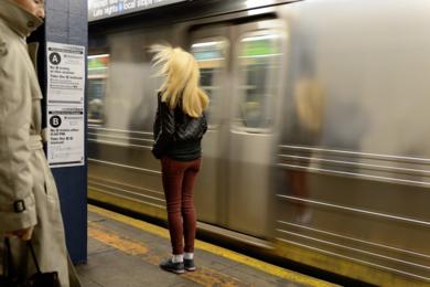 Waiting for the Train|FotografíadeCano Erhardt| Compra arte en Flecha.es