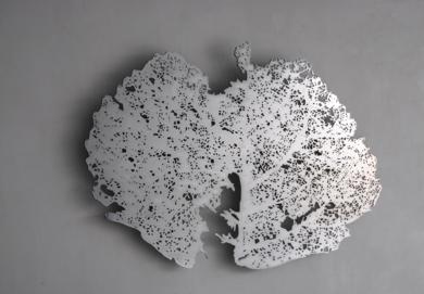 Hoja EsculturadeKrum Stanoev  Compra arte en Flecha.es