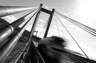 TRASPASANDO RANDE (de la serie Puente Rande. Foto nº 4)|FotografíadeLuis Arbex| Compra arte en Flecha.es