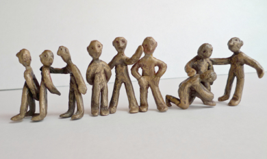 La fila|EsculturadeAna Valenciano| Compra arte en Flecha.es