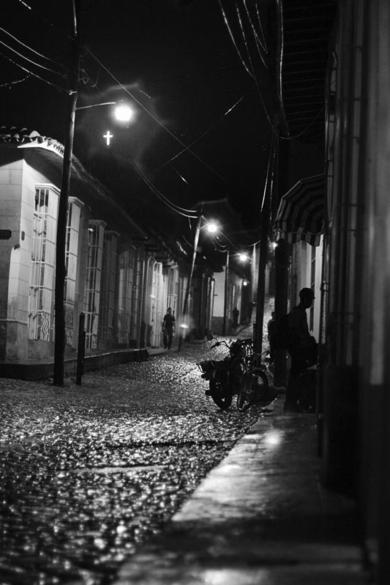 LLoviendo en Trinidad|FotografíadeVerónica Velasco Barthel| Compra arte en Flecha.es