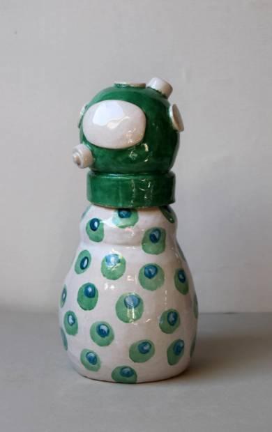 Buzo verde|EsculturadeLina Cofán| Compra arte en Flecha.es