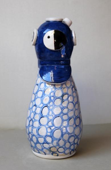 Buzo azul|EsculturadeLina Cofán| Compra arte en Flecha.es