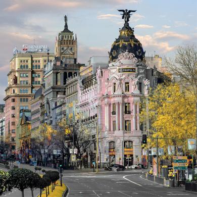 Nuevo Metrópolis rosa|FotografíadeLeticia Felgueroso| Compra arte en Flecha.es
