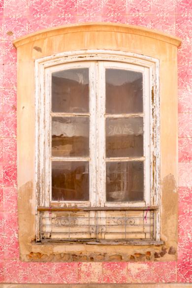 Ventanas; Portugal|FotografíadeÁngela Fernández Häring| Compra arte en Flecha.es