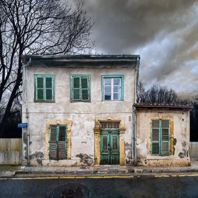 Lone building  27_Nicosia, Cyprus|FotografíadeAndy Sotiriou| Compra arte en Flecha.es