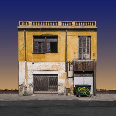 Lone building 03, Nicosia, Chipre|FotografíadeAndy Sotiriou| Compra arte en Flecha.es