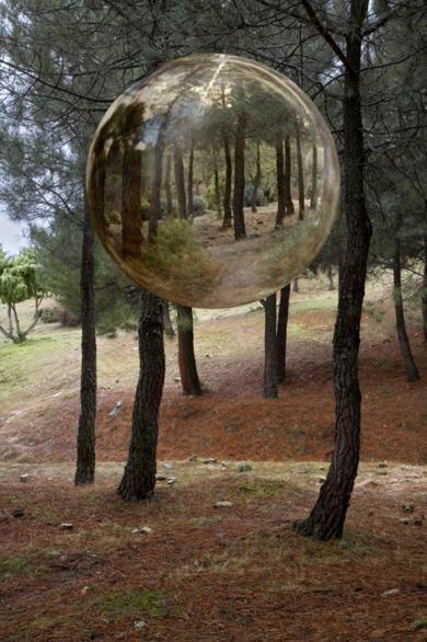 Esfera en el monte|FotografíadeLeticia Felgueroso| Compra arte en Flecha.es