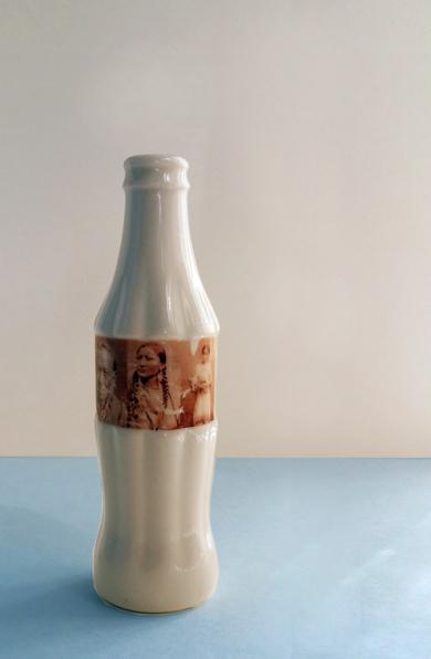 Cola Roja|EsculturadeAna Agudo| Compra arte en Flecha.es