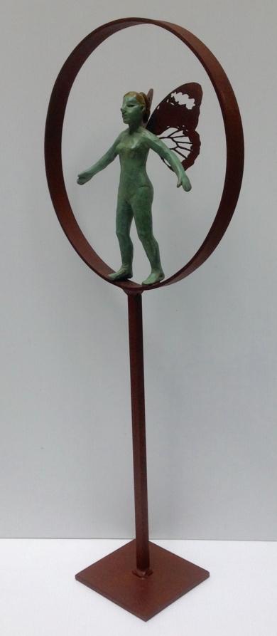 Orgullosa y con alas|EsculturadeCharlotte Adde| Compra arte en Flecha.es