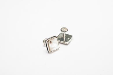 Gemelos de plata 950 y madre perla con huequitos|JoyeríadeEster Ventura| Compra arte en Flecha.es