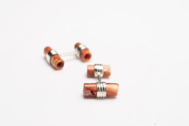 Gemelos de plata 950 y tubitos naranjas|JoyeríadeEster Ventura| Compra arte en Flecha.es