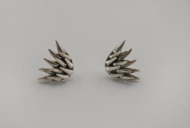 Pendientes de plata 950 - Así como la valva... el metal|JoyeríadeEster Ventura| Compra arte en Flecha.es