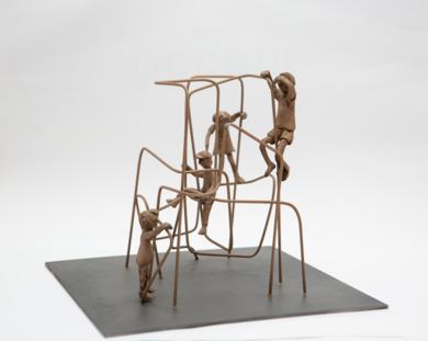 Subir muy alto. Serie Plazas|EsculturadeAna Valenciano| Compra arte en Flecha.es